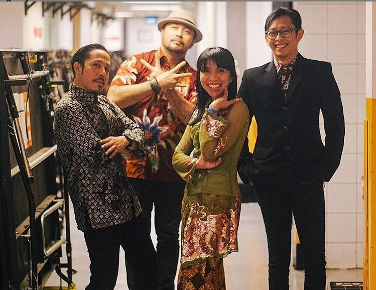 Instagram @moccaofficial
