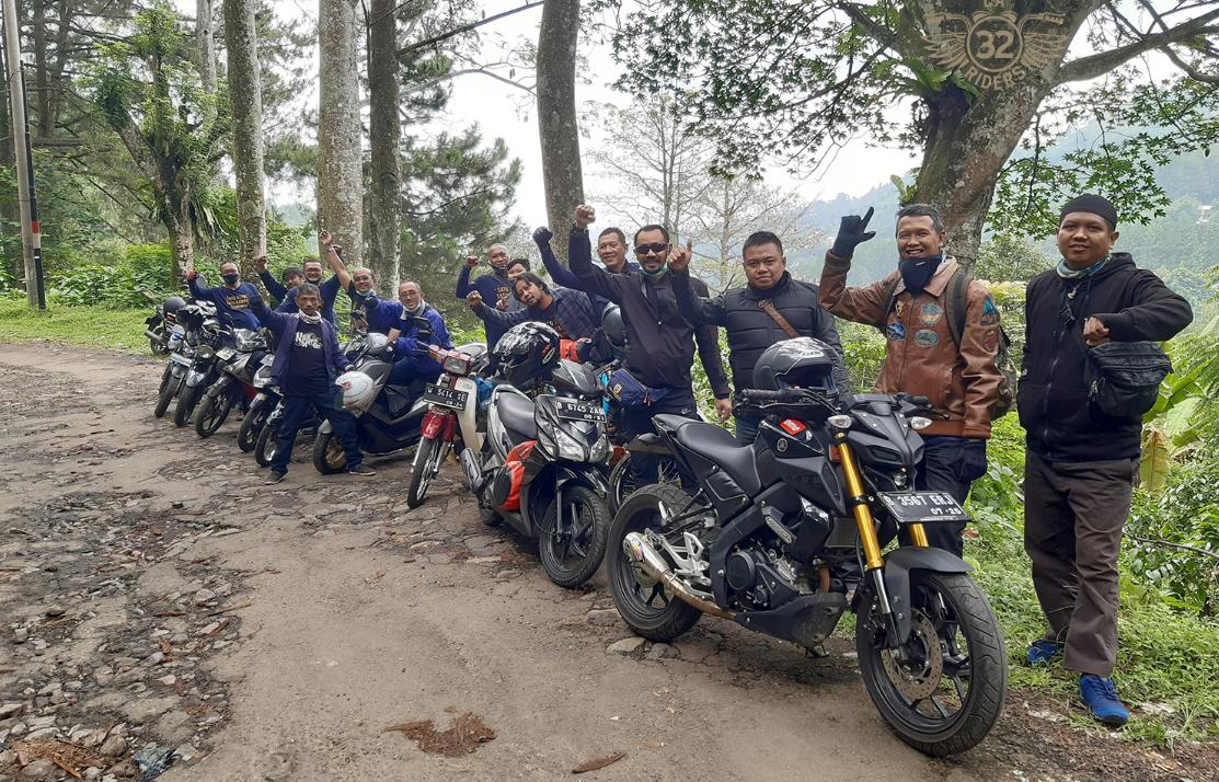 LA 32 Riders