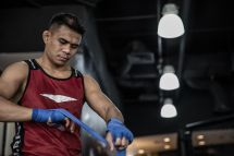 Atlet tarung bebas Indonesia Eko Roni Saputra.