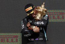 AFP/Adrian DENNIS