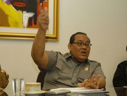 Mi/Usman Iskandar