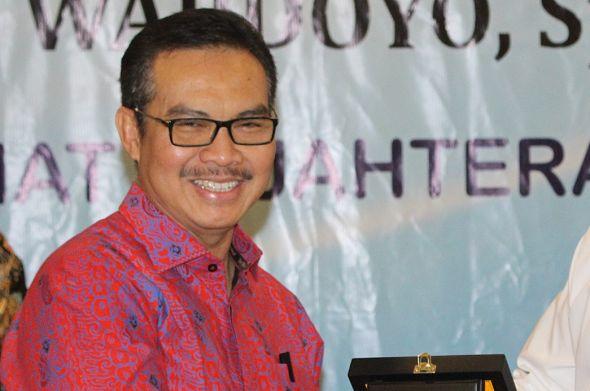 Kepala BKKBN Terima Gelar Doktor Kehormatan dari UNY
