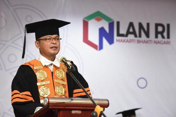 Politeknik STIA LAN Jakarta Gelar Wisuda Blended Graduation
