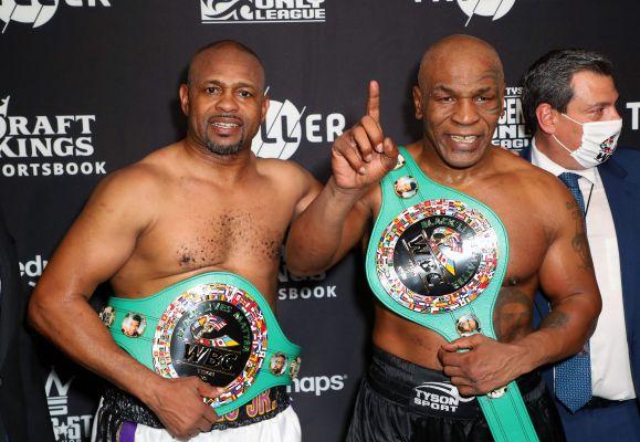 Duel Mike Tyson vs Roy Jones Jr Berakhir Imbang