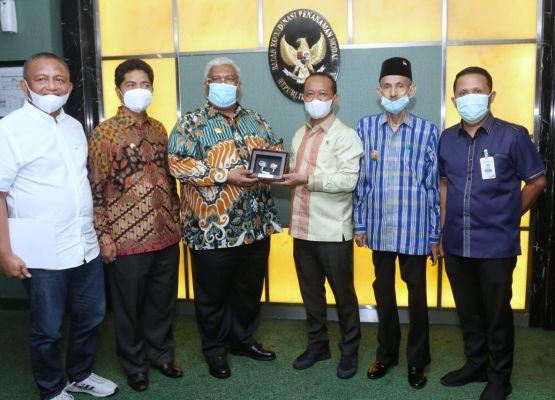 Gubernur Sultra dan Kepala BKPM Lanjutkan Pembicaraa Aspal Buton