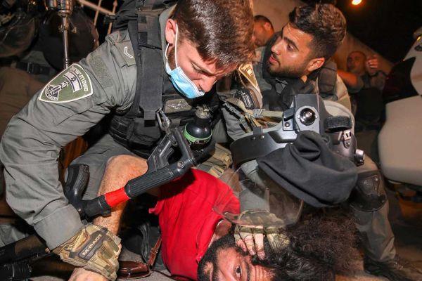 AFP/ AHMAD GHARABLI/Bro