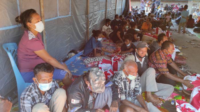 Pengungsi Banjir di Desa Nelelamadike Kesulitan Fasilitas MCK